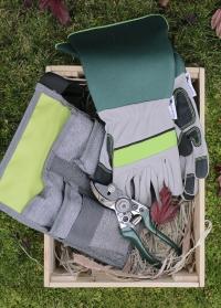 Подарочный набор мужчине-садоводу и дачнику французского бренда  AJS-Blackfox фото