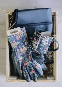 Подарок для флориста и садовода Flower Girl by Julie Dodsworth Briers  фото.jpg