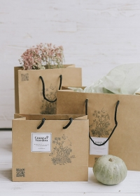 Подарочный крафт пакет Consta Garden в ассортименте фото