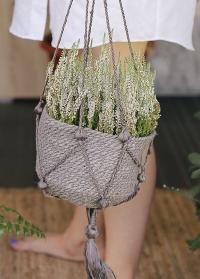 Кашпо для цветов подвесное плетеное из джута Munesia Grey Lene Bjerre фото