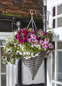 Кашпо для цветов подвесное конус из искусственного ротанга Pinto Smart Garden фото