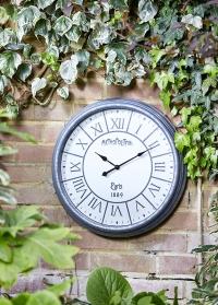 Часы настенные большие для загородного дома Metro Smart Garden фото