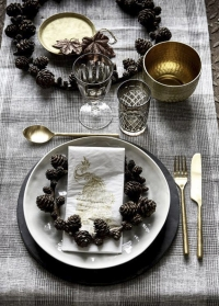 Декоративный венок из шишек из полирезина Serafina от Lene Bjerre фото