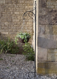 Декоративный садовый держатель для кашпо с цветами Scroll by Smart Garden фото