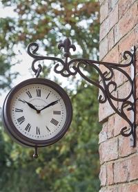 Часы на кронштейне двусторонние Marylebone Station Smart Garden картинка