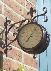 Часы на кронштейне двусторонние York Station Smart Garden картинка