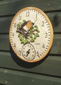 Уличные английские часы с птичкой малиновкой  by Outside In Smart Garden фото