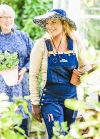 Джинсовый рабочий женский комбинезон GardenGirl Denim Collection фото