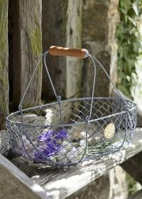 металлическая корзина для цветов Burgon & Ball фото.jpg
