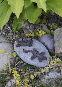 Фигурки животных из чугуна на камне Esschert Design TT169 садовые декоры фото