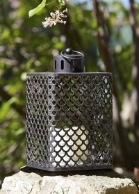 Фонарь декоративный со светодиодной свечой Cairene by Outside In фото