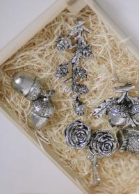 Новогодний декор сосновые шишки на ветке SERAFINA Lene Bjerre фото