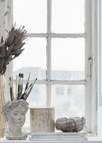 Интерьерная ваза-чаша в форме рук Flavia Hands от Lene Bjerre фото