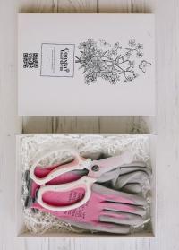 Коробка подарочная из белого картона от Consta Garden фото для упаковки подарка флористу