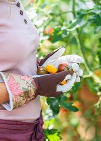 Перчатки садовые кожаные особо прочные GardenGirl Chelsea Collection AR30 фото