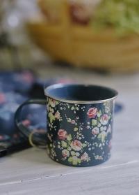 Кружка эмалированная Flower Girl Jilie Dodsworth Briers фото.jpg