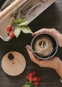Веревка джутовая флористическая в декоративной банке Charcoal Burgon & Ball фото.jpg