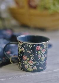 Эмалированная кружка в подарок для флориста Flower Girl Briers фото.jpg
