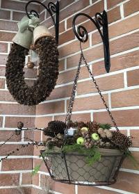 Подвесной цветочный горшок из терракоты в декоративной металлической корзинке AT37 Esschert Design фото