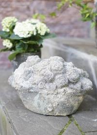 Декоративная садовая фигурка из керамики Корзина с цветами Aged Ceramic AC147 Esschert Design картинка