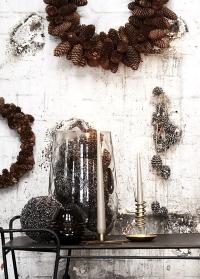 Металлические подсвечники для высокой свечи от датского бренда Lene Bjerre фото