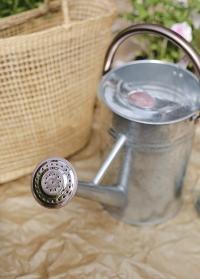 Садовая металлическая лейка для полива растений 4.5 л. Galvanised Steel Smart Garden фото