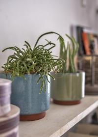 Стильное керамическое бохо кашпо для комнатных цветов Malibu BlueGIG/MALLGBL от Burgon & Ball фото