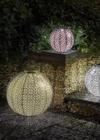 Большой уличный фонарь на солнечной батарее для загородного участка Giant Damasque Smart Garden фото