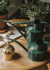 Английские садовые лейки для цветов HAWS The Fazeley Flow Green фото