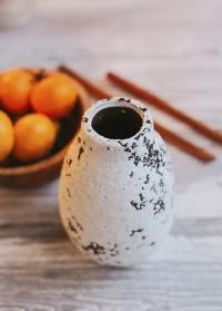 Ваза из состаренной керамики Kara от Lene Bjerre (Дания) картинка