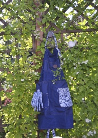 Фартук джинсовый для работы в саду GardenGirl Denim GGFK12 фото